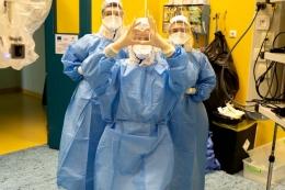 Симулация на робот-асистирана операция в условията на COVID-19 с обучителна цел за здравните специалисти на първа линия